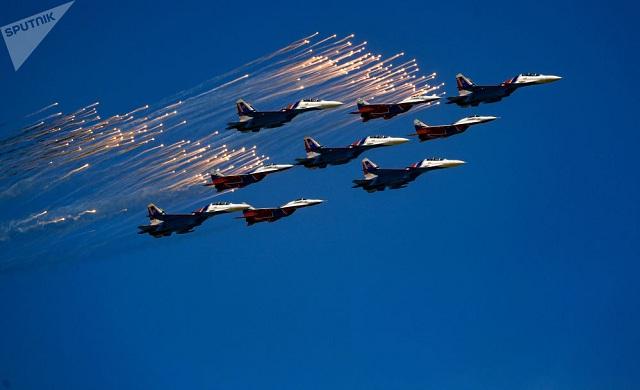 Chiêm ngưỡng dàn khí tài và lực lượng binh sĩ hùng hậu bảo vệ vùng trời của Nga - Ảnh 3