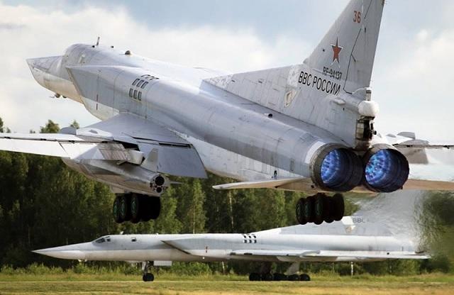 """Cận cảnh nhà máy sản xuất """"sát thủ diệt hạm siêu thanh"""" Tu-22M3M của Nga - Ảnh 1"""