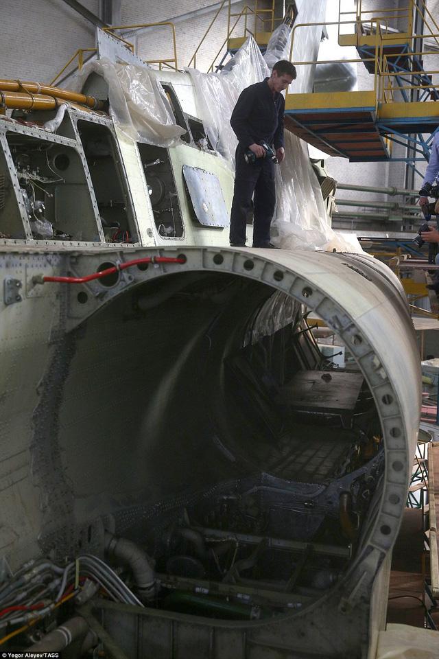 """Cận cảnh nhà máy sản xuất """"sát thủ diệt hạm siêu thanh"""" Tu-22M3M của Nga - Ảnh 5"""