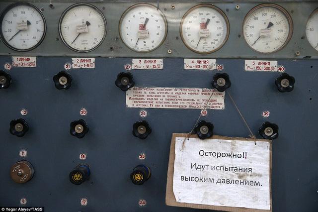 """Cận cảnh nhà máy sản xuất """"sát thủ diệt hạm siêu thanh"""" Tu-22M3M của Nga - Ảnh 8"""