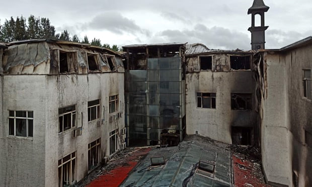 Khung cảnh tan hoang sau vụ cháy khách sạn tại khiến 18 người thiệt mạng - Ảnh 2