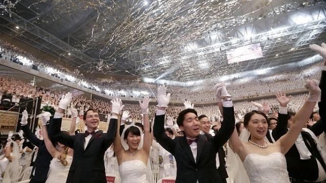 4.000 cặp cô dâu chú rể tham gia đám cưới tập thể tại Hàn Quốc, nhiều đôi chỉ mới quen - Ảnh 2