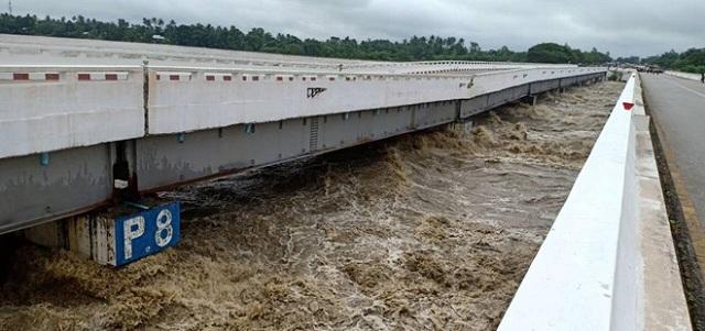 Hiện trường vỡ đập tại Myanmar khiến hơn 100 ngôi làng ngập trong nước lũ - Ảnh 2