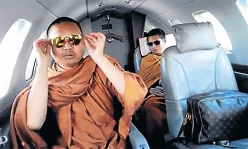 Cựu nhà sư Thái Lan nổi tiếng với lối sống xa hoa bị kết án 114 năm tù  - Ảnh 1