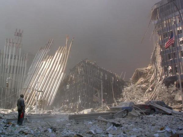 Vụ khủng bố 11/9: Những bức hình ám ảnh cả thế giới trong suốt 17 năm - Ảnh 13