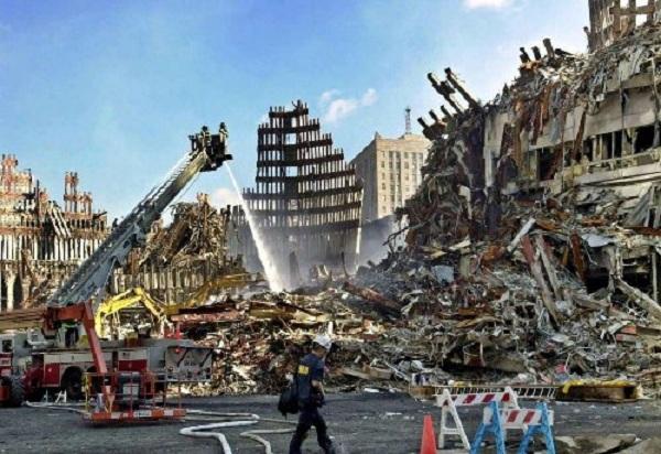 Vụ khủng bố 11/9: Những bức hình ám ảnh cả thế giới trong suốt 17 năm - Ảnh 14
