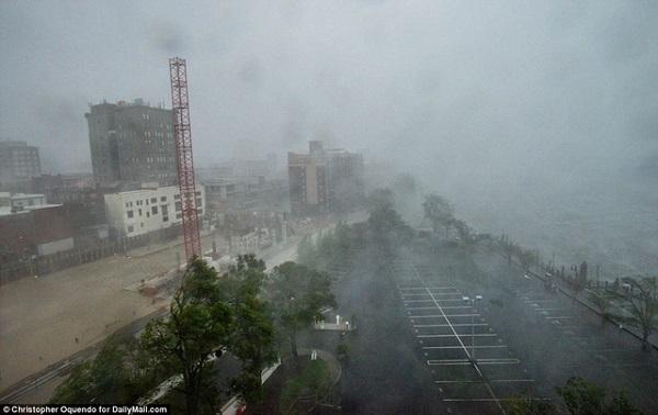Siêu bão Florence có thể trút 37,8 nghìn tỷ lít nước khi đổ bộ vào Mỹ - Ảnh 3