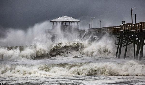 Siêu bão Florence có thể trút 37,8 nghìn tỷ lít nước khi đổ bộ vào Mỹ - Ảnh 4