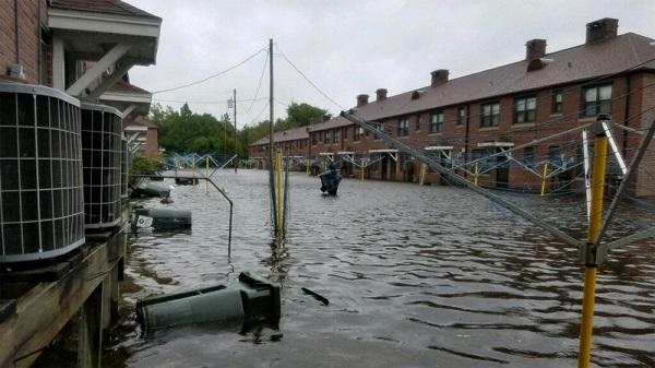 Siêu bão Florence có thể trút 37,8 nghìn tỷ lít nước khi đổ bộ vào Mỹ - Ảnh 5