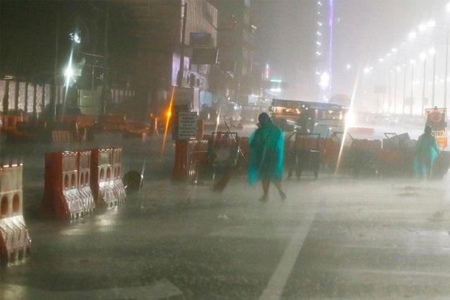 Siêu bão Mangkhut đổ bộ, Philippines gồng mình chống chọi - Ảnh 4