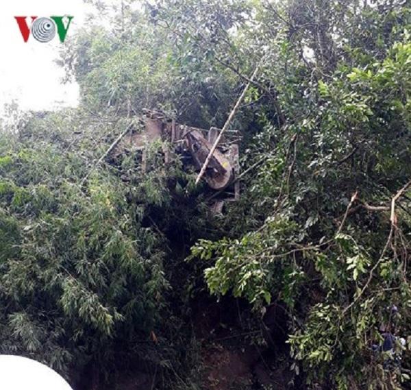 Hiện trường vụ nạn giao thông 12 người chết ở Lai Châu, xe khách bẹp dúm  - Ảnh 4