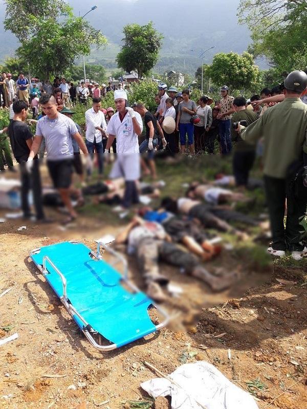 Hiện trường vụ nạn giao thông 12 người chết ở Lai Châu, xe khách bẹp dúm  - Ảnh 6