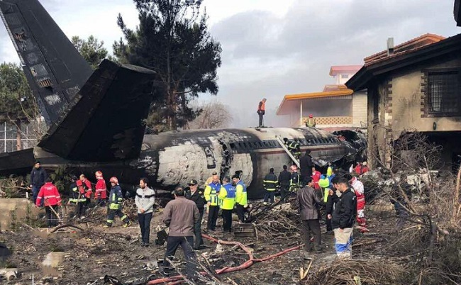 Máy bay Boeing 707 rơi ở Iran, ít nhất 15 người thiệt mạng  - Ảnh 6