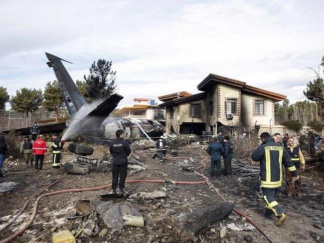 Máy bay Boeing 707 rơi ở Iran, ít nhất 15 người thiệt mạng  - Ảnh 5