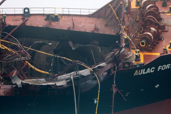 Vụ cháy tàu chở dầu Việt Nam: Tìm thấy thi thể thuyền viên thứ hai  - Ảnh 1