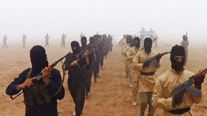 Iraq và Nga đồng thời nã hỏa lực dữ dội, phá hủy các căn cứ của IS tại Syria - Ảnh 2
