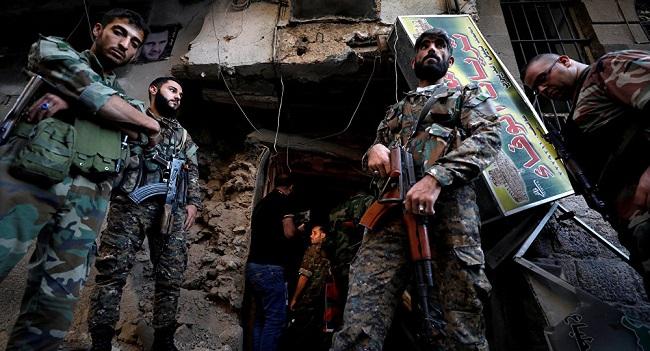 Quân đội Syria 'thiêu rụi' quân khủng bố tại 'chảo lửa' Syria bằng pháo binh hạng nặng - Ảnh 1