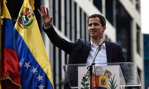 Khủng hoảng chính trị tại Venezuela: 'Tổng thống lâm thời' Guaido bị cấm rời khỏi đất nước - Ảnh 1