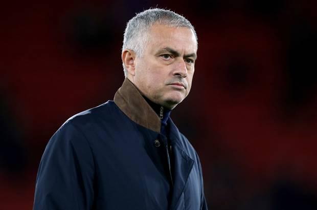 Tin chuyển nhượng 6/1: Sanchez nhất quyết rời MU, Chelsea chốt giá Cavani - Ảnh 1