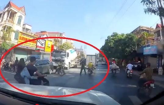 Công an Hải Phòng bác thông tin chặn xe khiến hai người ngã xuống đường - Ảnh 1