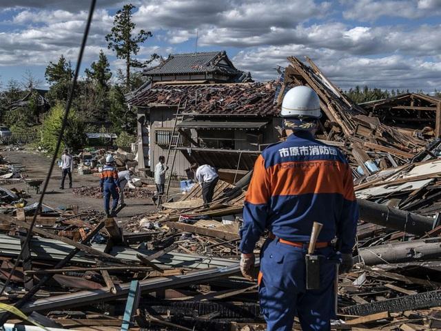Khung cảnh tan hoang đến khó tin tại Nhật Bản sau khi siêu bão Hagibis đổ bộ - Ảnh 12