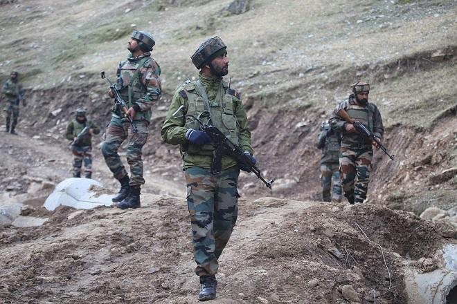 Phát hiện trại khủng bố đang huấn luyện 50 phiến quân đánh bom tự sát - Ảnh 1