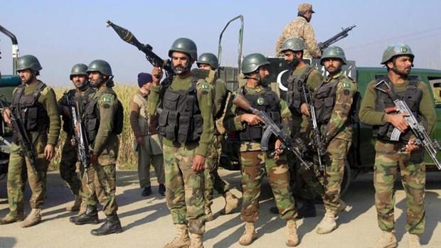 Tin tức quân sự mới nóng nhất ngày 16/10: Lực lượng an ninh Ấn Độ và phiến quân đọ súng ở Kashmir - Ảnh 1