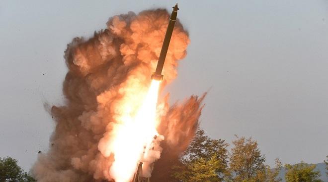 Hàn Quốc tìm ra loại tên lửa Triều Tiên vừa phóng về phía biển Nhật Bản? - Ảnh 1