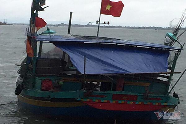 Tìm thấy thi thể ngư dân Hà Tĩnh rơi xuống biển mất tích tại Quảng Bình - Ảnh 1