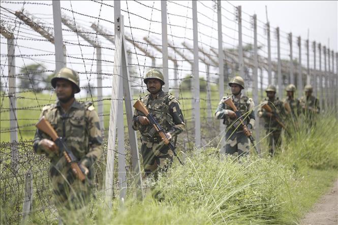 Tin tức quân sự mới nóng nhất ngày 21/10: Quân đội Ấn Độ và Pakistan đọ súng quyết liệt tại biên giới - Ảnh 1