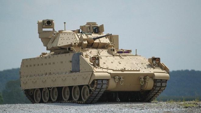 Xe thiết giáp Mỹ nặng 27 tấn bất ngờ lao xuống nước, 3 binh sĩ thiệt mạng - Ảnh 1