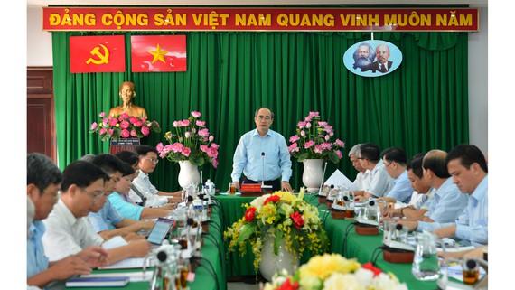 Bí thư Nguyễn Thiện Nhân kiểm tra công trình sai phạm của lãnh đạo quận Thủ Đức - Ảnh 1