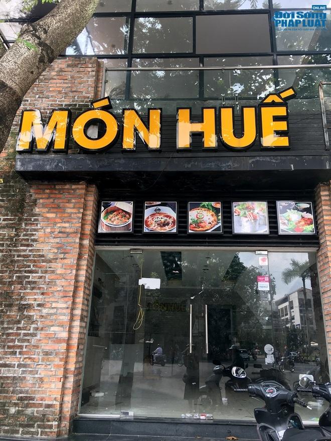 Khung cảnh tan hoang tại chuỗi nhà hàng Món Huế ở Hà Nội trước thông tin trốn nợ  - Ảnh 4