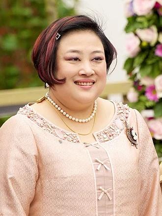 Hé lộ hoàng loạt bi kịch và sóng gió nơi hậu cung hoàng gia Thái Lan  - Ảnh 2