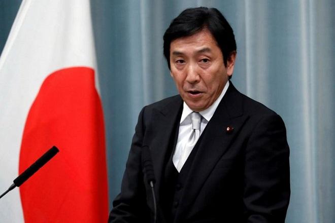 Bộ trưởng Thương mại Nhật Bản bất ngờ từ chức sau hàng loạt cáo buộc vi phạm luật bầu cử - Ảnh 1