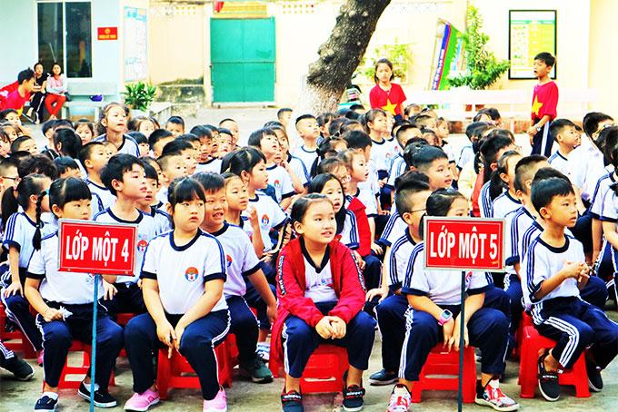 Khánh Hòa: Toàn bộ học sinh, sinh viên nghỉ học 2 ngày tránh bão  - Ảnh 1