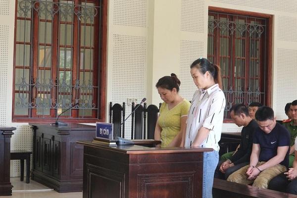 Mẹ ròng rã đi tìm con gái 12 tuổi  bị bán làm vợ xứ người - Ảnh 1