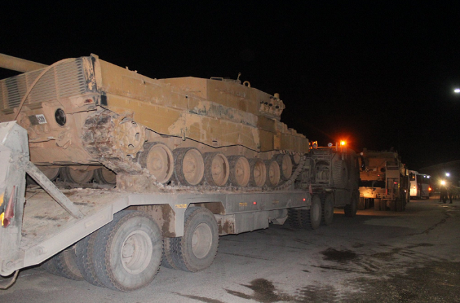 Cận cảnh Thổ Nhĩ Kỳ rầm rập đưa xe bọc thép và binh sĩ tới sát sườn Syria - Ảnh 5