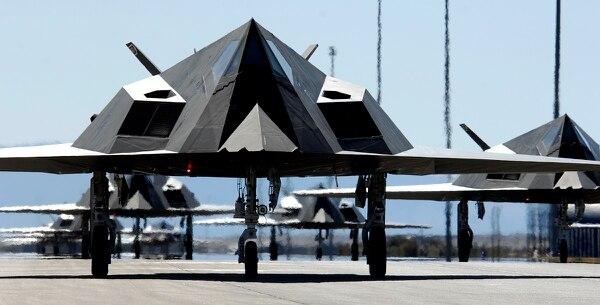 """""""Bá chủ bầu trời"""" F-117A đầu tiên của Mỹ bất ngờ 'tái xuất' - Ảnh 2"""