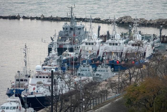 Tin tức thế giới mới nóng nhất ngày 18/11: Nga bất ngờ trao trả 3 tàu quân sự cho Ukraine - Ảnh 1