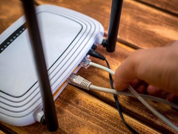 Bắt giữ người đàn ông bắn tử vong hai cha con hàng xóm vì dùng trộm wifi  - Ảnh 1