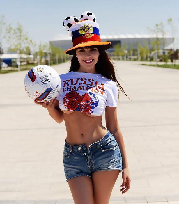 Nữ người mẫu siêu nóng bỏng Nga từ chối tham gia chính trường vì...sợ làm người khác phân tâm - Ảnh 2