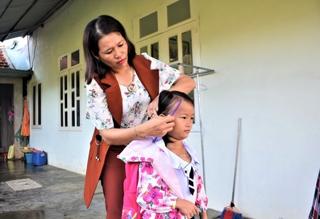 """Người phụ nữ 6 năm làm """"xe ôm"""" miễn phí đưa trẻ em có hoàn cảnh khó khăn tới trường - Ảnh 2"""
