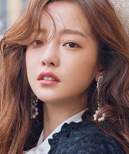 Goo Hara qua đời gây chấn động: Nữ ca sĩ không có công ty quản lý ở Hàn Quốc - Ảnh 1