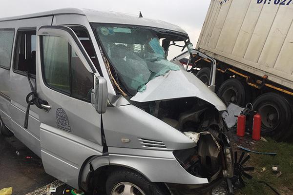 Xác định nguyên nhân vụ container va chạm xe khách tại Quảng Ngãi khiến 13 người thương vong - Ảnh 1