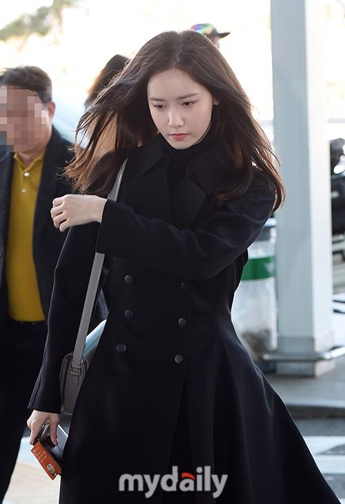 Yoona lên bar tại Hà Nội, lộ nhan sắc cực phẩm dù diện đồ siêu giản dị  - Ảnh 7
