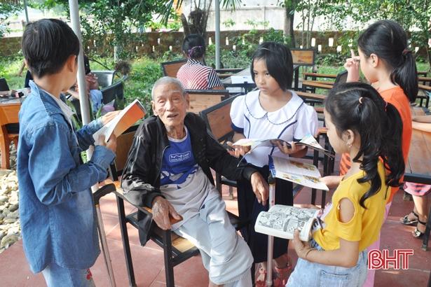 Hà Tĩnh: Cụ ông 97 tuổi hiến nhà xây thư viện miễn phí cho người dân - Ảnh 2