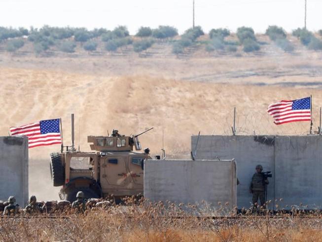 Tin tức thế giới mới nóng nhất ngày 4/11: Đoàn xe quân sự Mỹ bị tấn công khi rút khỏi Syria - Ảnh 1