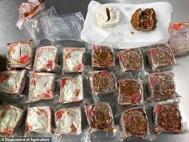 Mang thịt trứng, bánh trung thu trong hành lý, 2 khách Việt bị hủy thị thực Australia - Ảnh 1