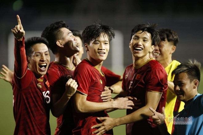 HLV Park Hang Seo phát biểu bất ngờ về sai lầm của Bùi Tiến Dũng trong trận đấu với U22 Indonesia - Ảnh 1